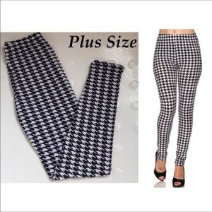 Plus size houndstooth leggings